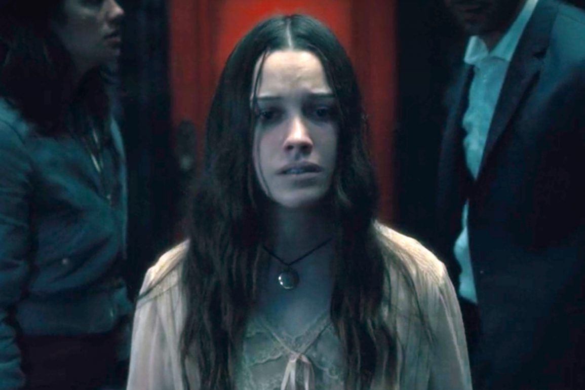 the haunting of hill house star victoria pedretti joins season 2 the haunting of bly manor social