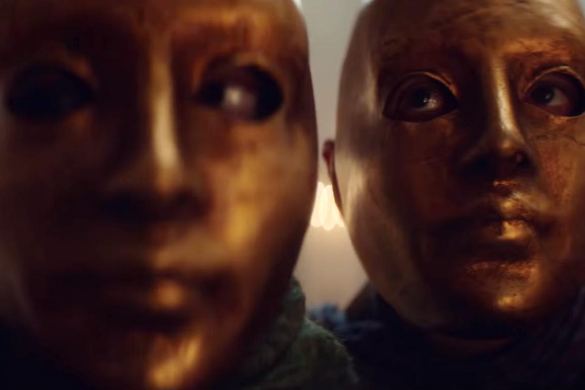 Cadaver Official Trailer Netflix 0 49 screenshot
