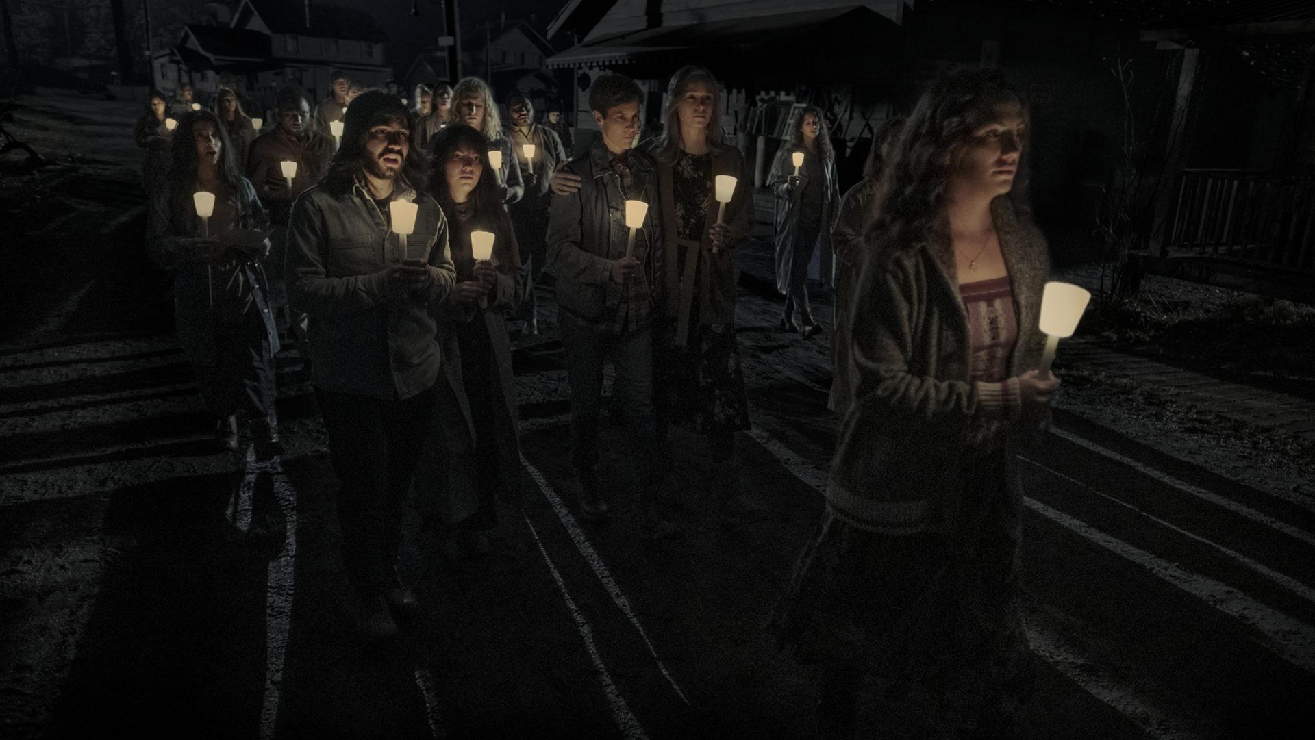 Midnight Mass Netflix image